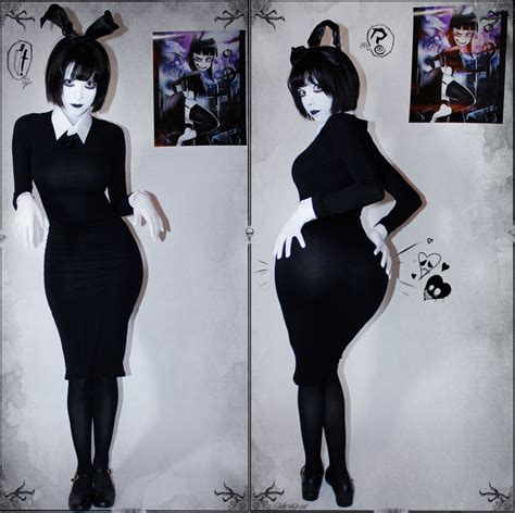 SwimsuitSuccubus as Creepy Susie   Cosplay   Know Your Meme